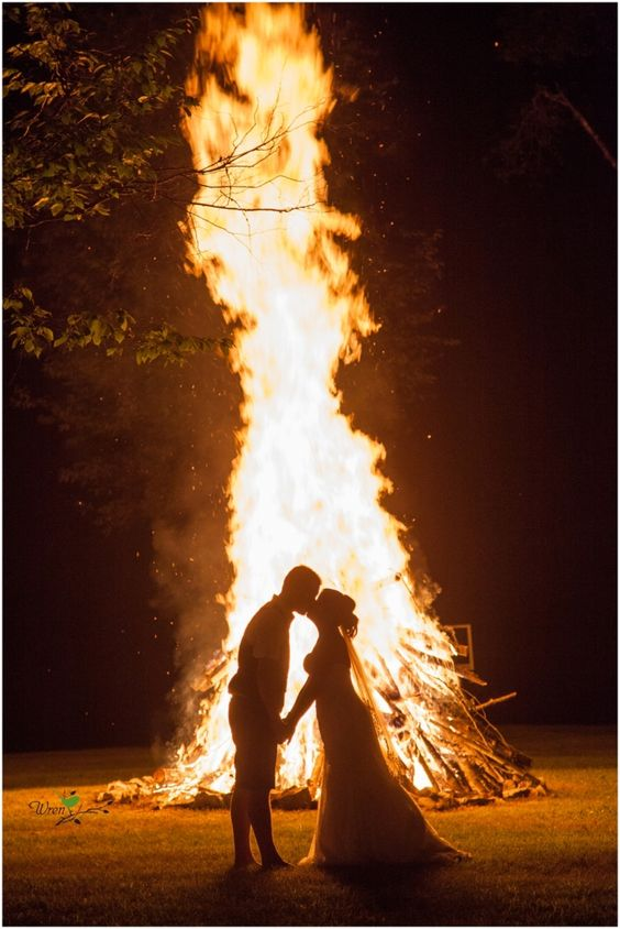 Bonfire Wedding Photography Ideas