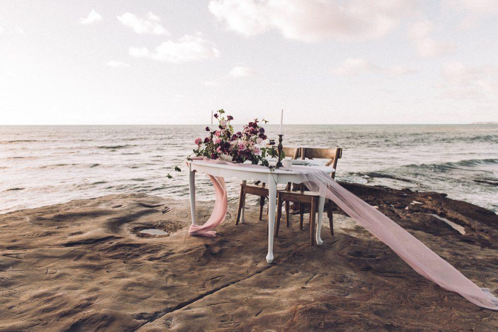 Wedding table at Sunset Cliffs Elopement